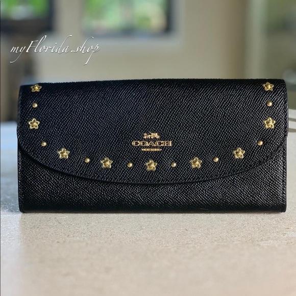Coach Handbags - 🔥Sale🔥NWT❗️COACH wallet